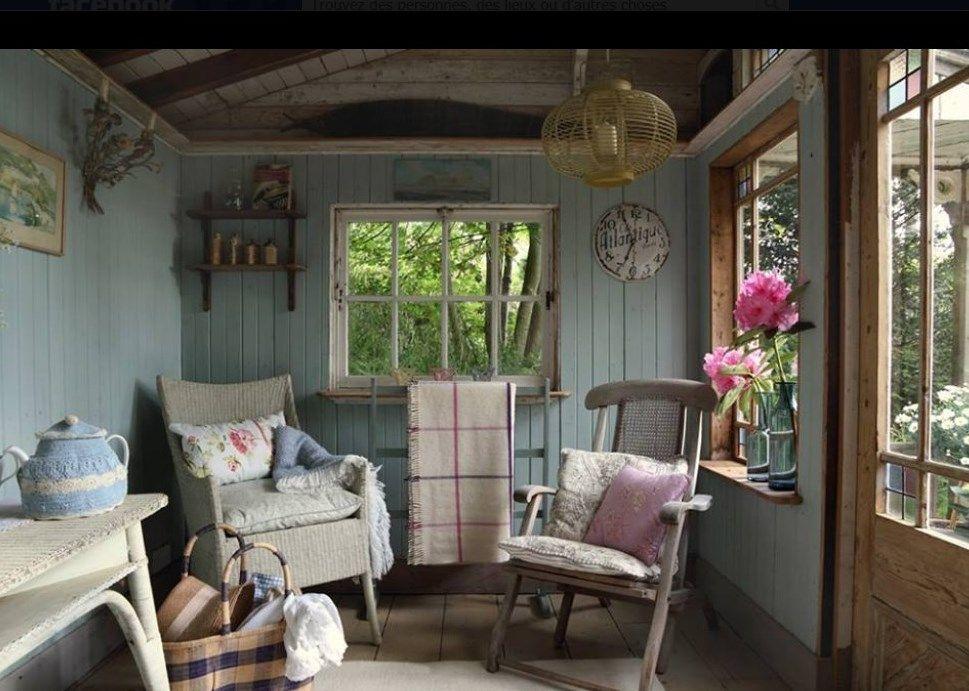 interieur cabane de jardin abris de jardin bois ou m tal mod les tous chalets tout savoir pour. Black Bedroom Furniture Sets. Home Design Ideas