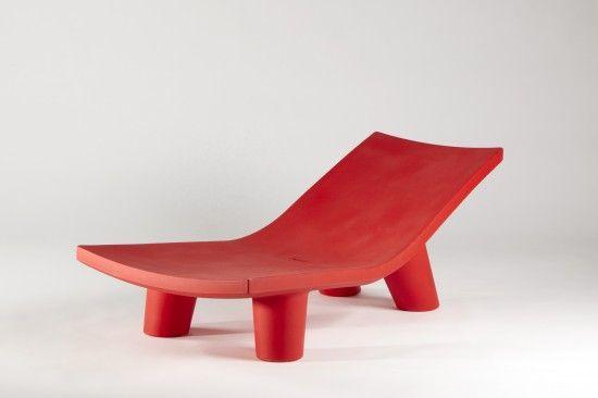 Una chaise longue colorata e fuori dagli schemi Low Lita