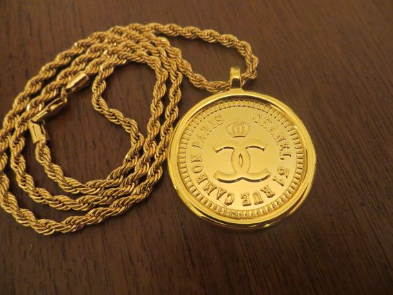Vintage Chanel 31 Rue Cambon Medallion Pendant Gold by MillyReich