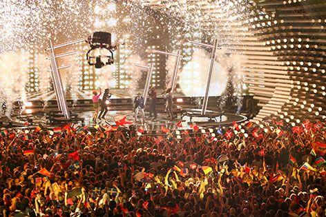 Fans beim Song Contest in der Stadthalle