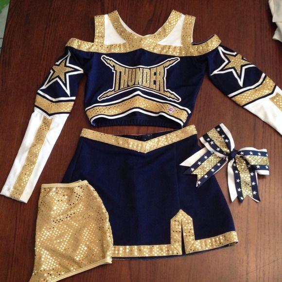 Resultado de imagen para cheerleader uniform style - Ideas para porras ...