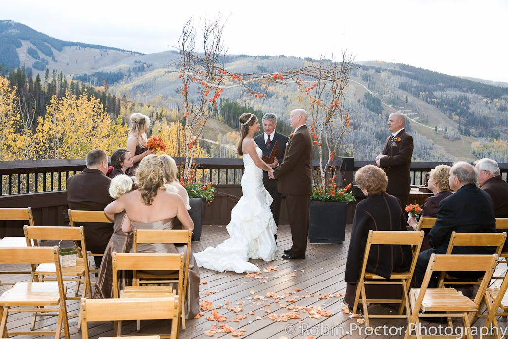 Beautiful Fall Ceremony At Allie S Cabin In Beaver Creek Co