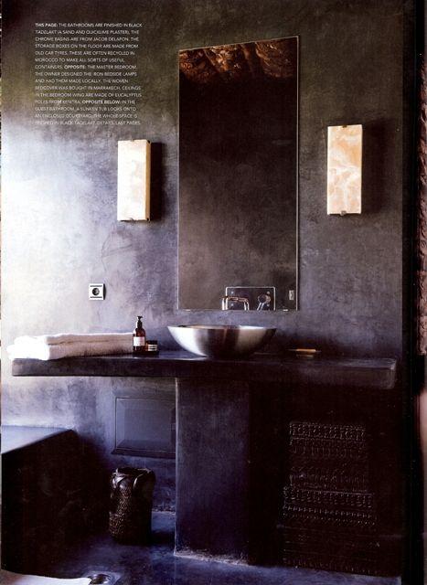 Maison Malou LOVES this perfect black tadelakt bathroom ...