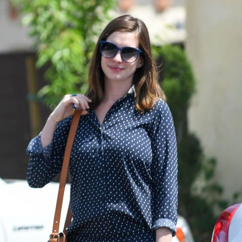 Anne Hathaway, Cha Cha And Navy