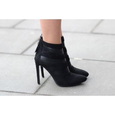 Modne Buty Stylowe Ubrania I Obuwie Damskie Sklep Z Butami I Ubraniami Modne Buty Letnie I Zimowe Heels Boots High Heels