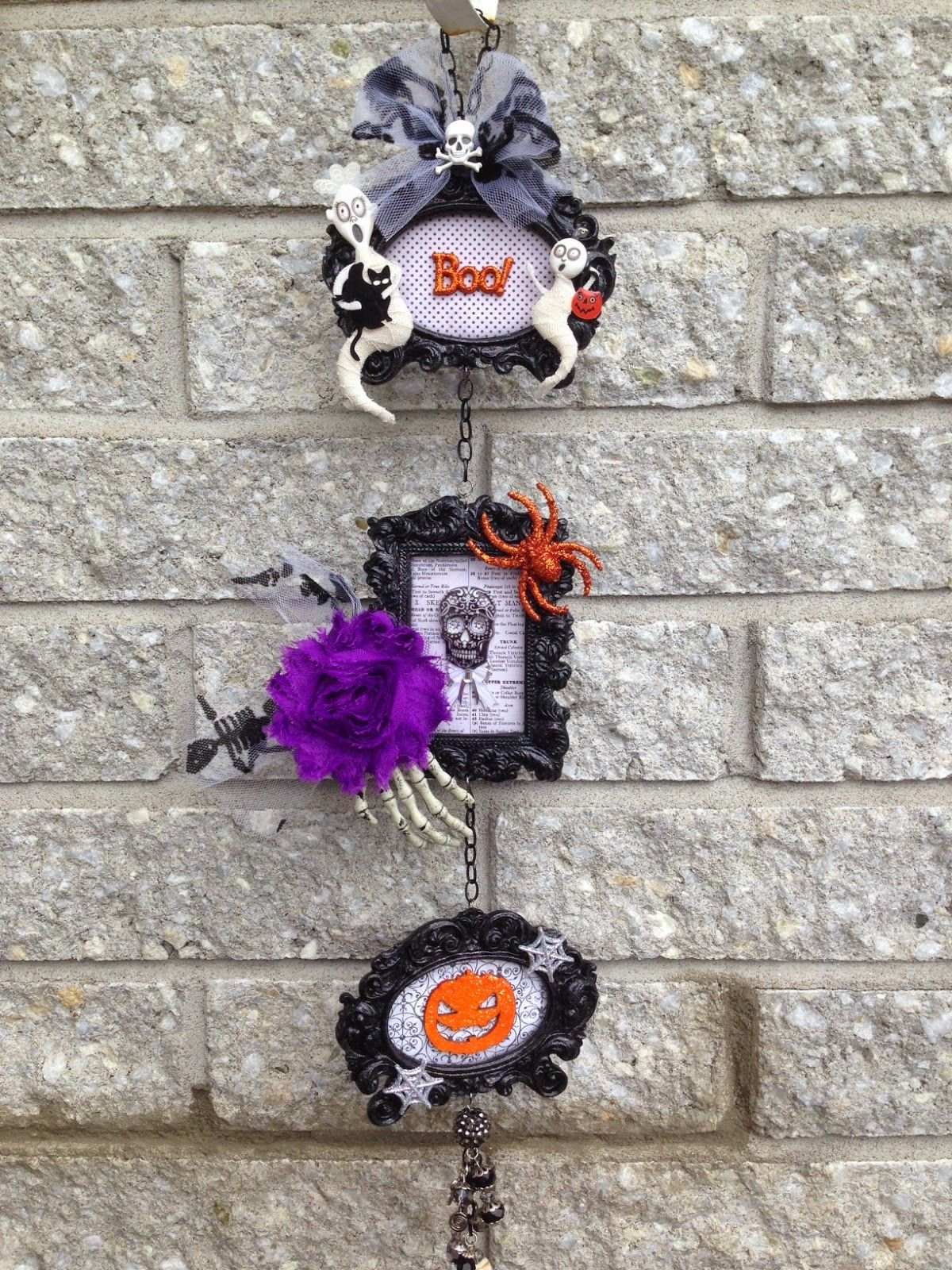 .: Serena Bee's Halloween Craft Series | Project #2 Altered Frame Hanging Wall Art