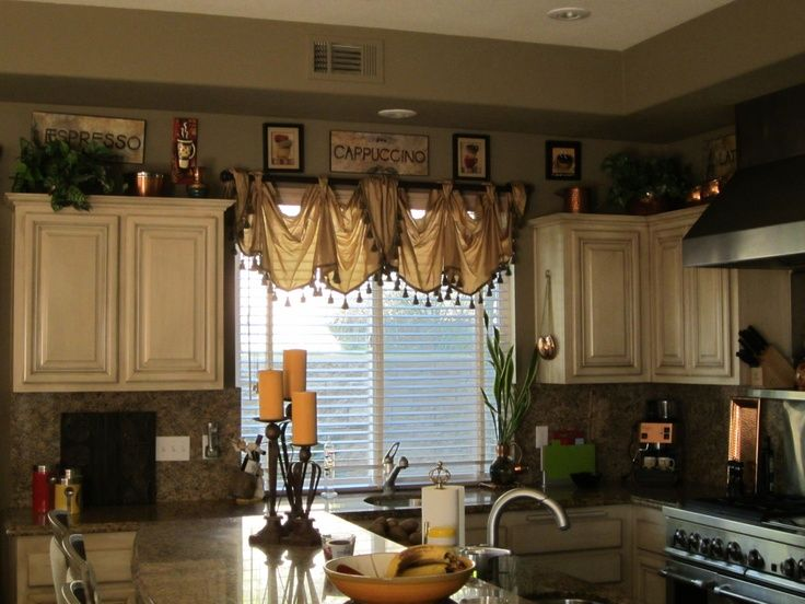 Kitchen tuscany style window treatments jpg  736    552    wreaths     Kitchen tuscany style window treatments jpg  736    552