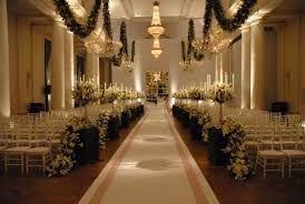 Resultado de imagem para decoração de casamento igreja chique