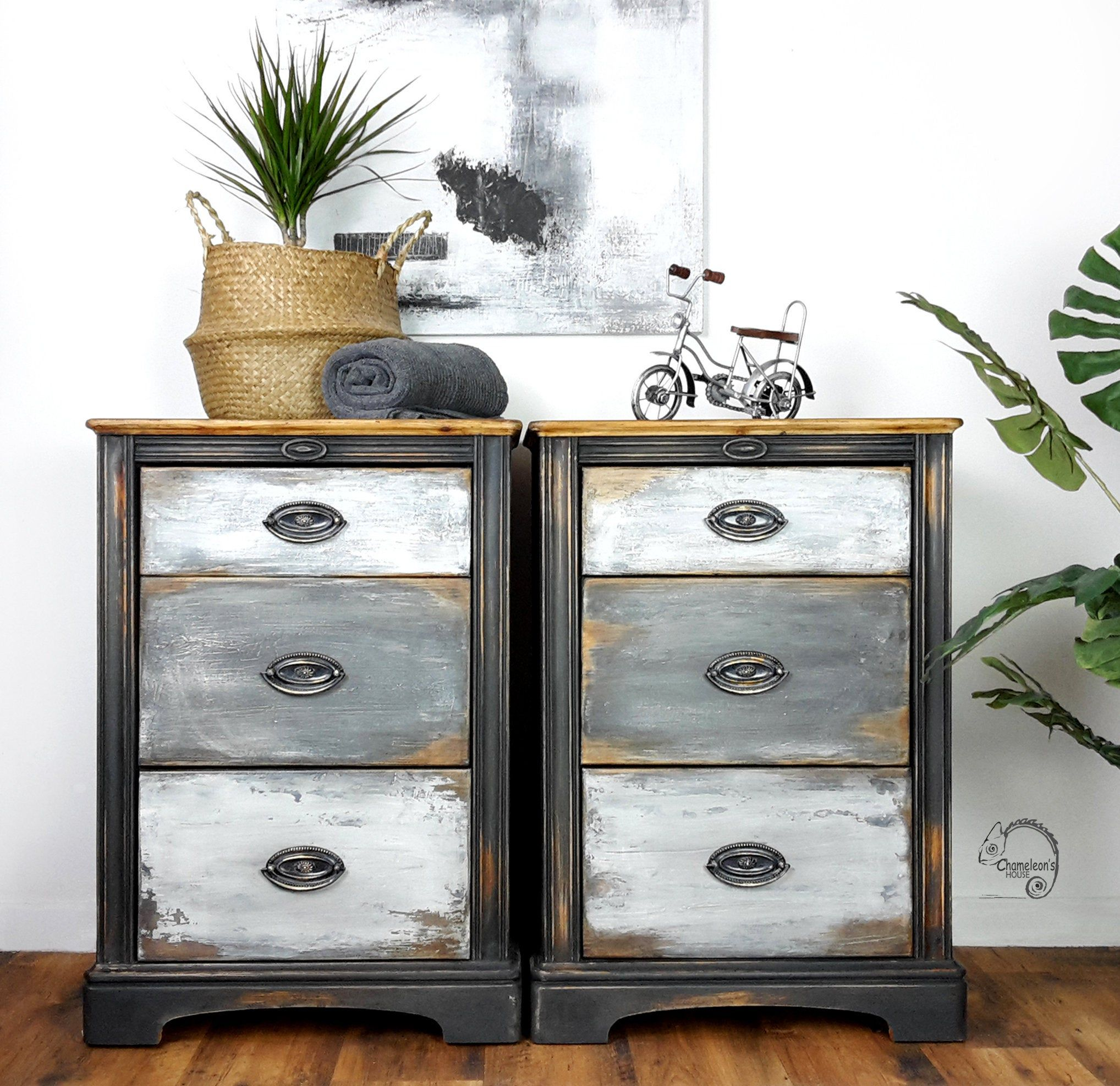 Pair Of Painted Bedside Tables Bedside Cabinets With Drawers Distressed Furniture Painted Drawers Hand Painted Furniture Uk In 2020 Bedside Cabinet Hand Painted Furniture Painted Drawers