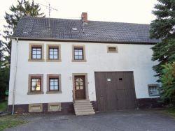 Quirnbach * Gepflegtes Bauernhaus mit großem Grundstück