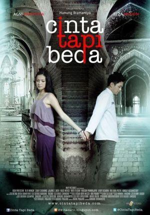 Cinta Tapi Beda Hestu Saputra Hanung Bramantyo 27 Desember 2012 217 469 Penonton Film Romantis Bioskop Film Baru