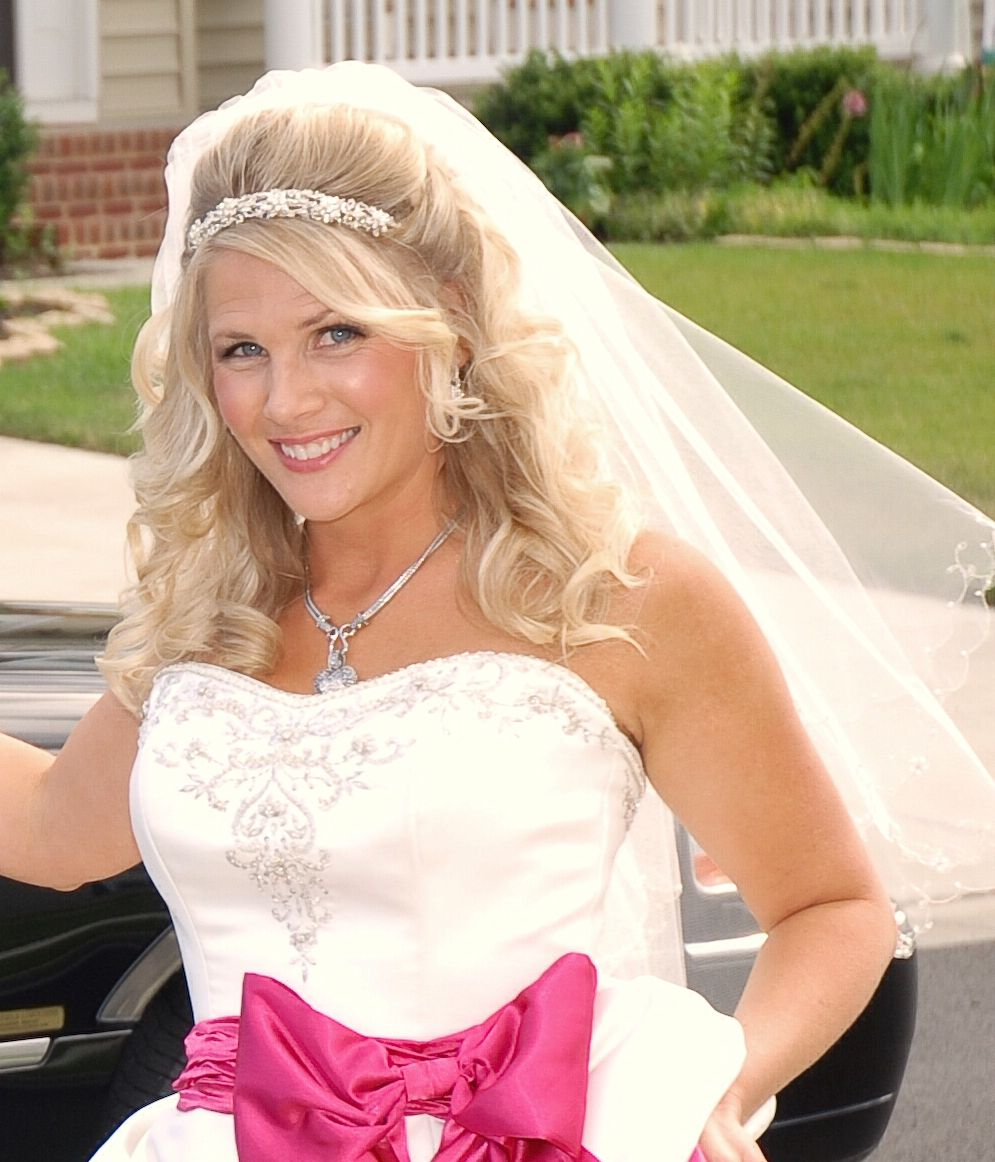 Wedding Hairstyle With Veil: Half Up With Veil And Headband
