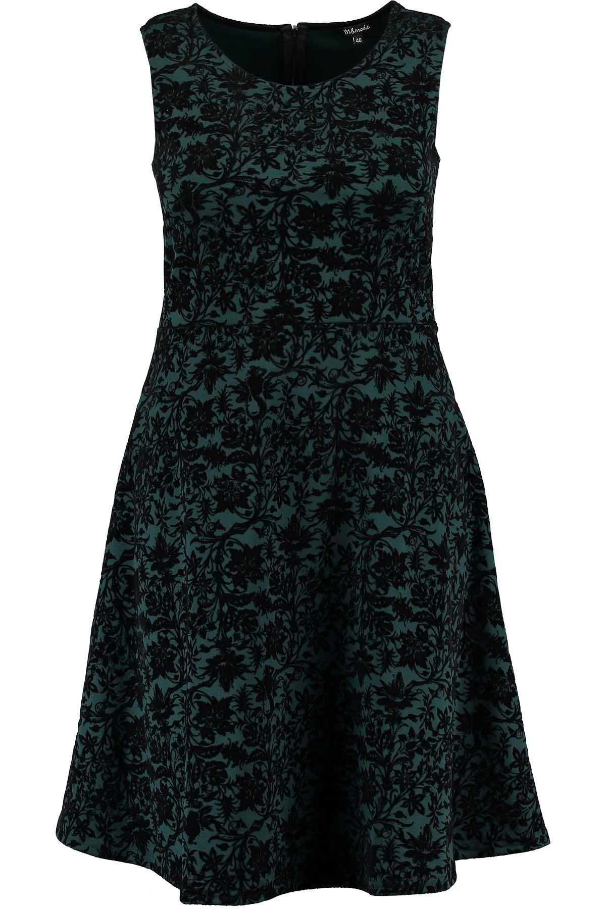 Deze mouwloze jurk heeft een fluwelen print en ronde hals. De jurk valt van boven aansluitend om het lichaam en vanaf de taille loopt de jurk iets uit. Lengte: 98 cm in alle matenPasvorm: aansluitend Wasvoorschrift: machine wasbaar