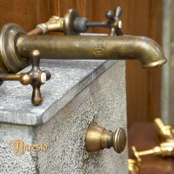 mischbatterie antik keine replika antike wasserh hne. Black Bedroom Furniture Sets. Home Design Ideas