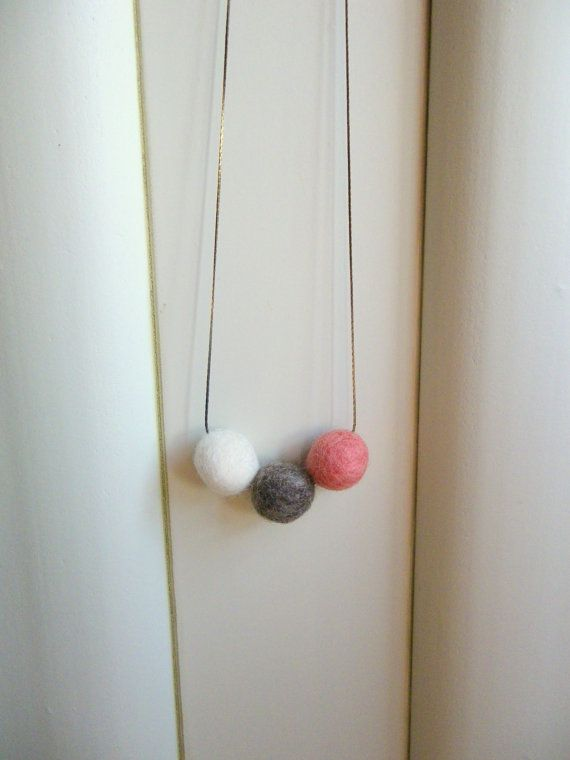 Felt necklace Textile necklace Coral pink and от Anascrafties