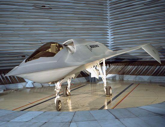 Rol  Banco de pruebas de sigilo Experimental  Fabricante  McDonnell Douglas / Boeing  Primer vuelo  11 de septiembre 1996  Retirado  De ...