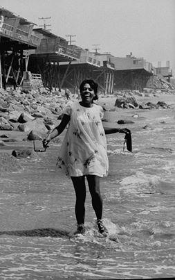 1968 Dionne Warwick Enjoying The Original Jersey Shore Dionne