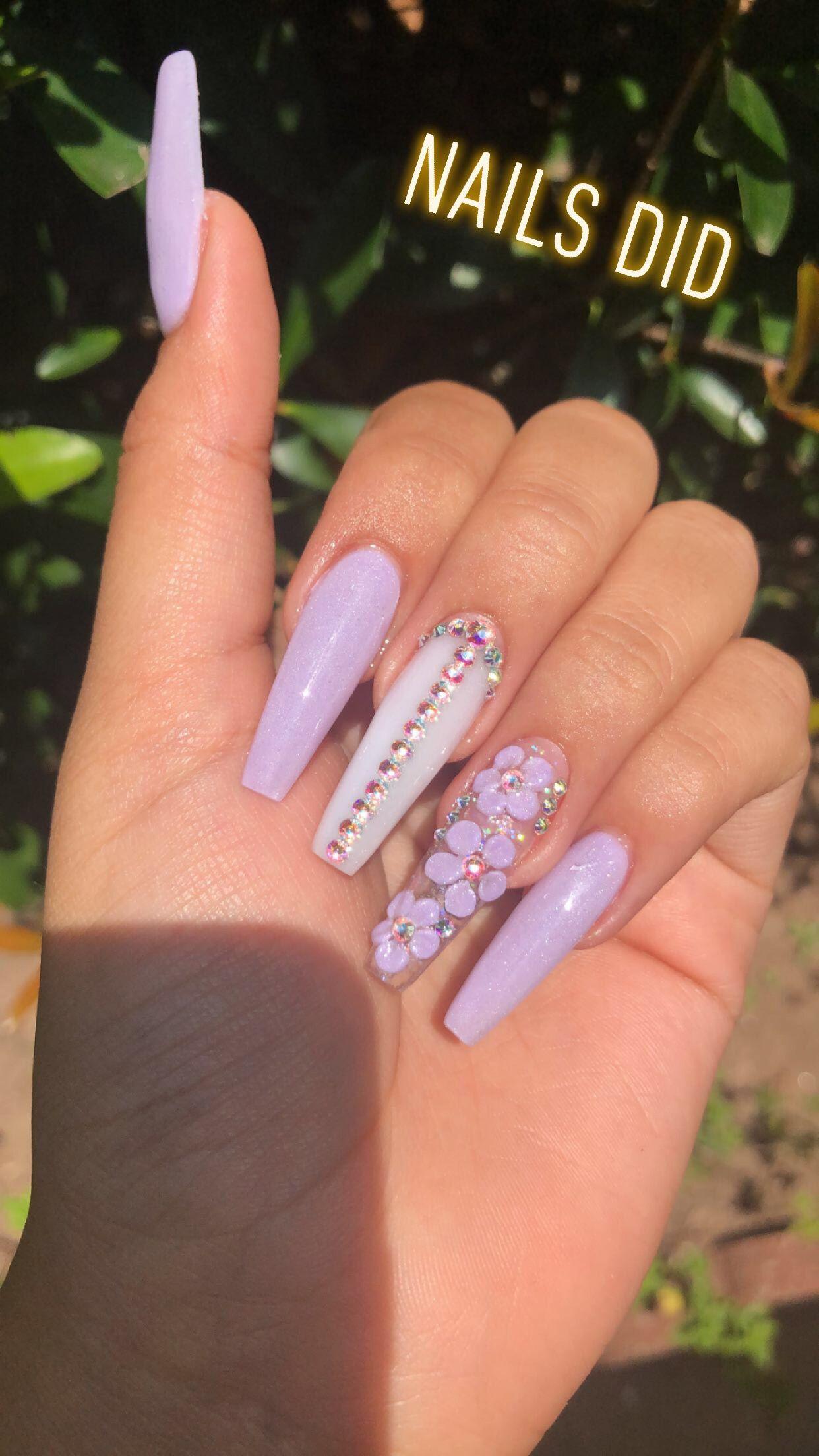 Stunning Lilac Acrylic Nails Nail Art Mermaid Glitter Purple Flowers Chrome Acrylics Shiny Gel Polish Nails Hot Nails Acrylic Nails
