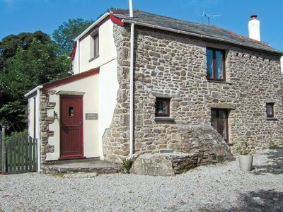 #CornishCottage Situated in a small hamlet close to the historic Advent Church, this attractive, tastefully furnished cottage converted from a stone barn, provides ideal holiday accommodation for couples. http://www.chooseacottage.co.uk/cwa/zinney-cottage-7700