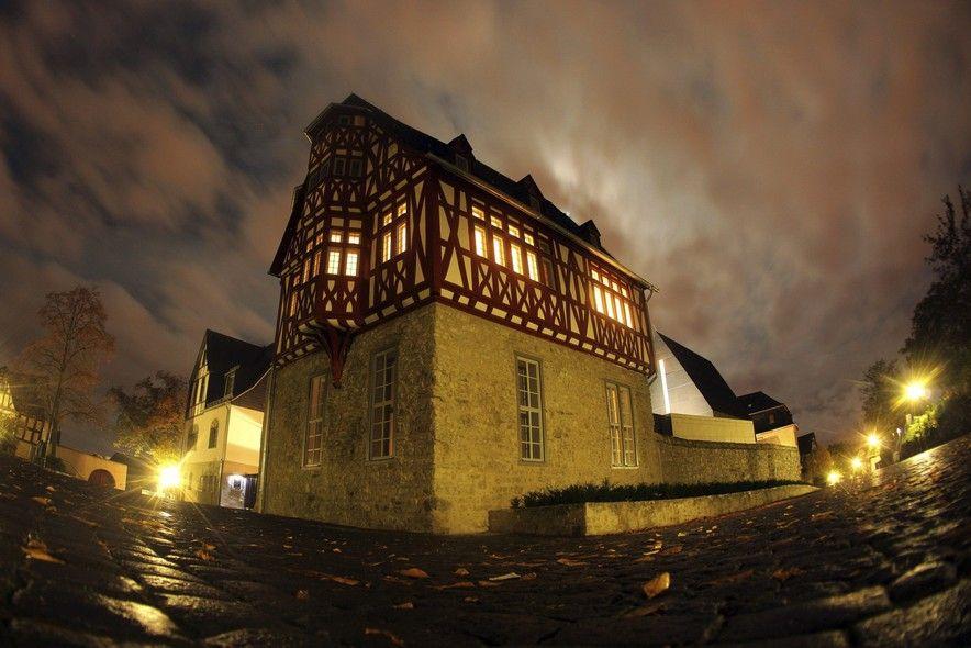 A casa de R$ 90 milhões do bispo de Limburgo - http://epoca.globo.com/tempo/fotos/2013/10/casa-de-r-90-milhoes-do-bispo-de-limburgo.html (Foto: Fredrik Von Erichsen/EFE)