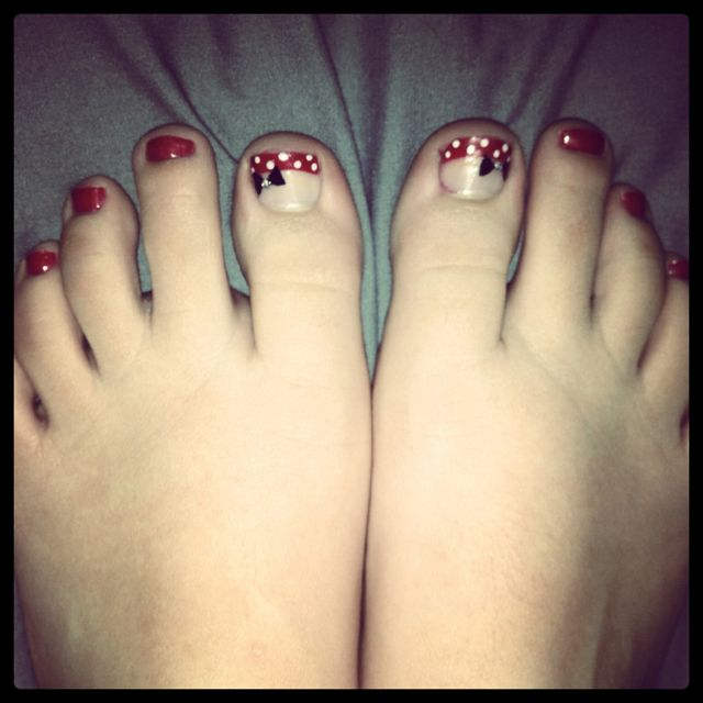 Minnie Mouse Toe Nails :) | beauty | Pinterest | Uñas pies, Fiestas ...