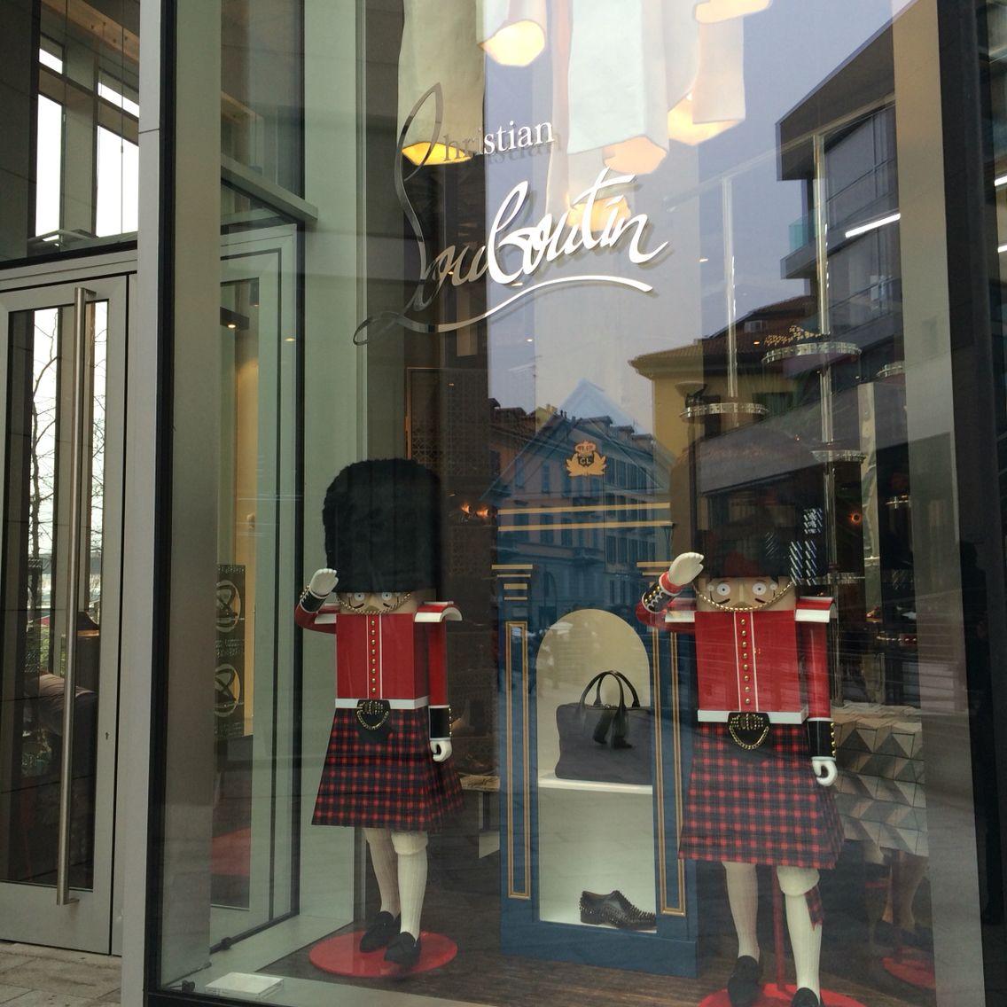 boutique louboutin milano