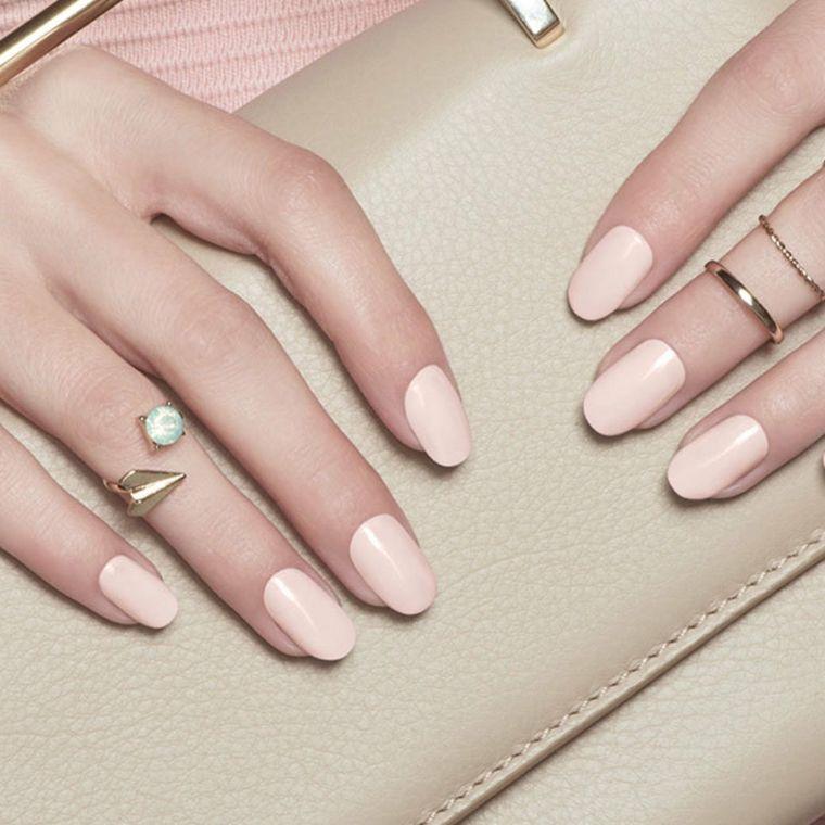 unghie rosa, una proposta nella tonalità cipria in tinta unita e dalla  finitura opaca | Unghie rosa cipria, Unghie rosa, Smalto unghie dei piedi  estate