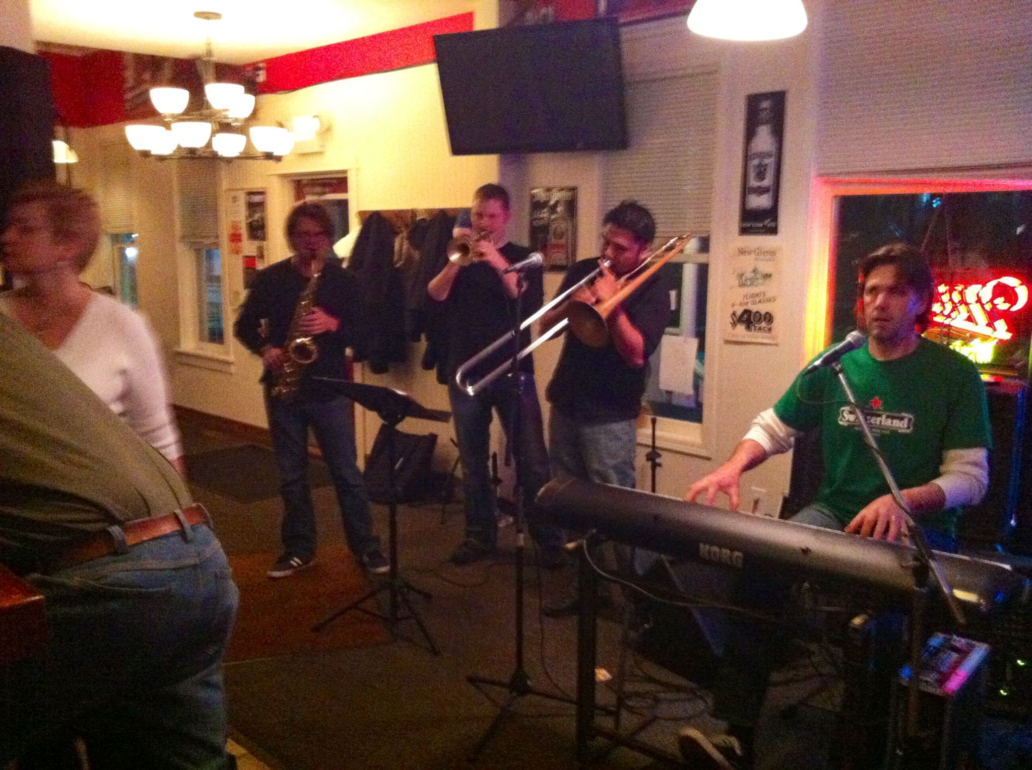 Good Jazz Music @ Tofflers in New Glarus