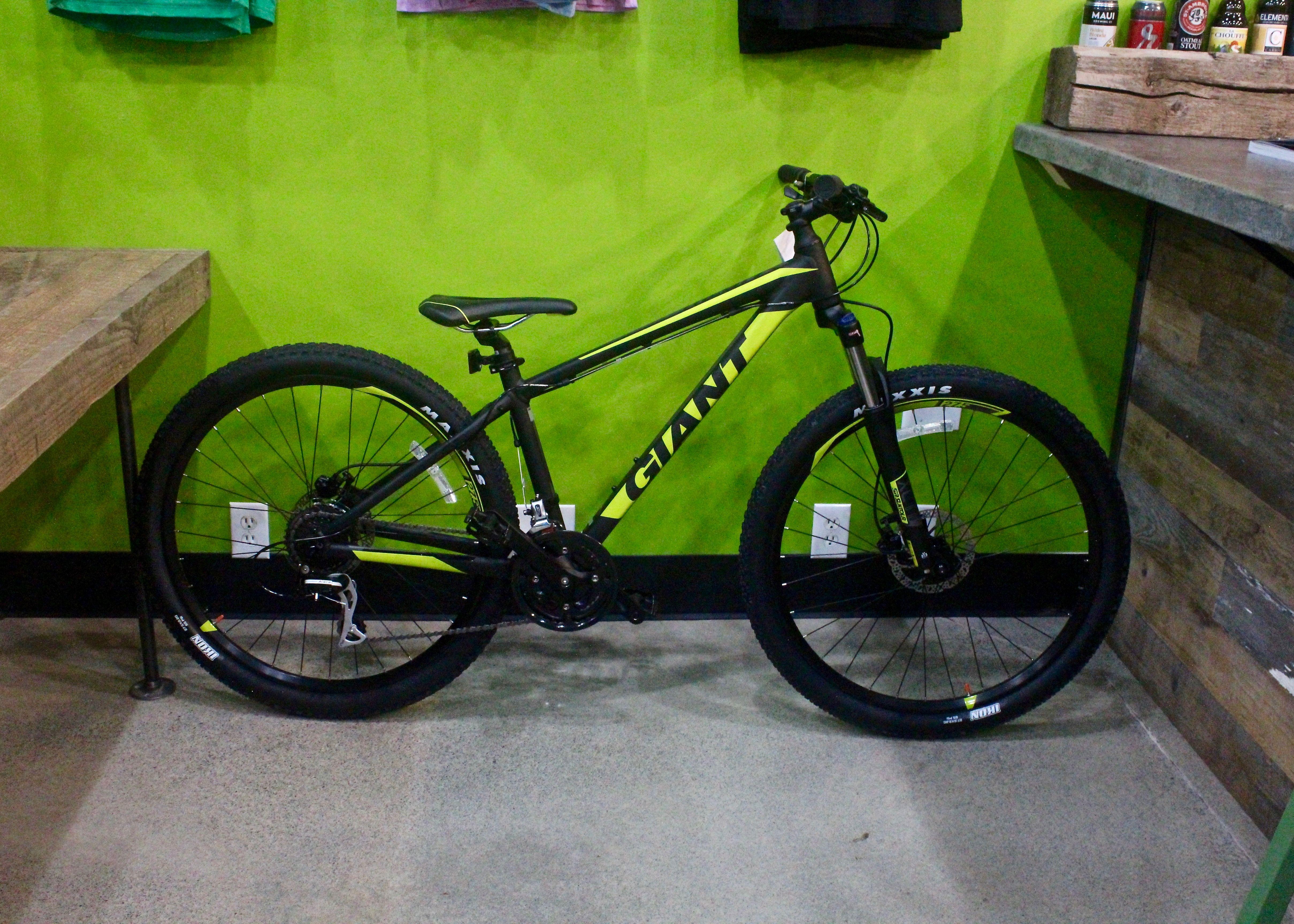 Giant Talon 3 Black Green Mens Mountain Bikes Sizes In Stock S