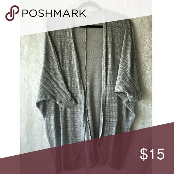 Throw over Grey kimono Size Small Decree Other