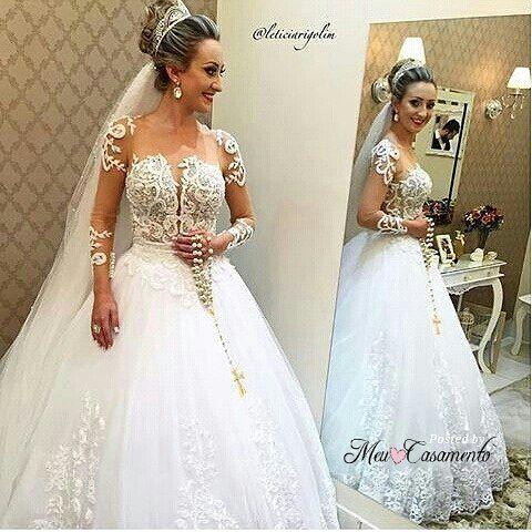 Vestido lindo! O que acham noivinhas? #inspiração #vestido #vestidodenoiva #vestidodecasamento #bride #dress #weddingdress #casamento #meucasamento by meu.casamento