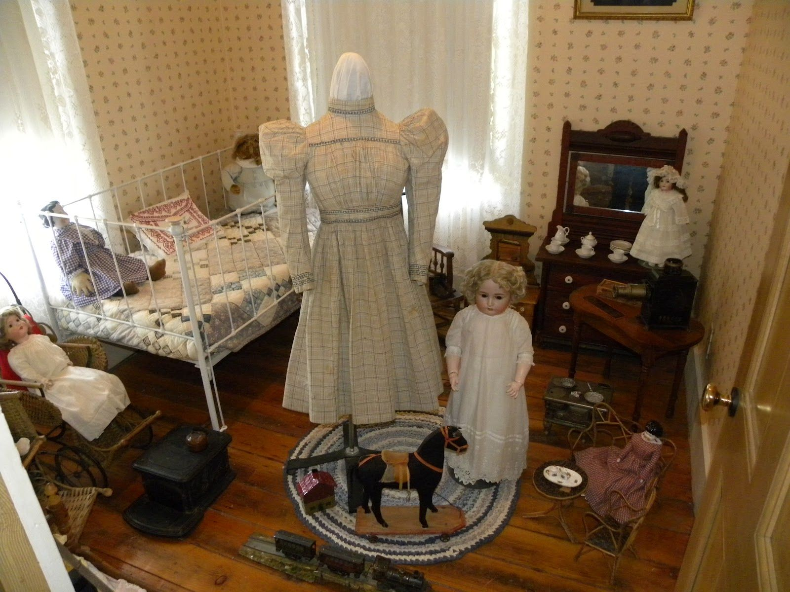 victorian rooms photos | typical Victorian child's room. The concept of childhood was