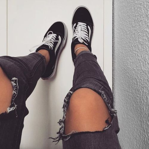 Vans and ripped jeans | Moda, Buty