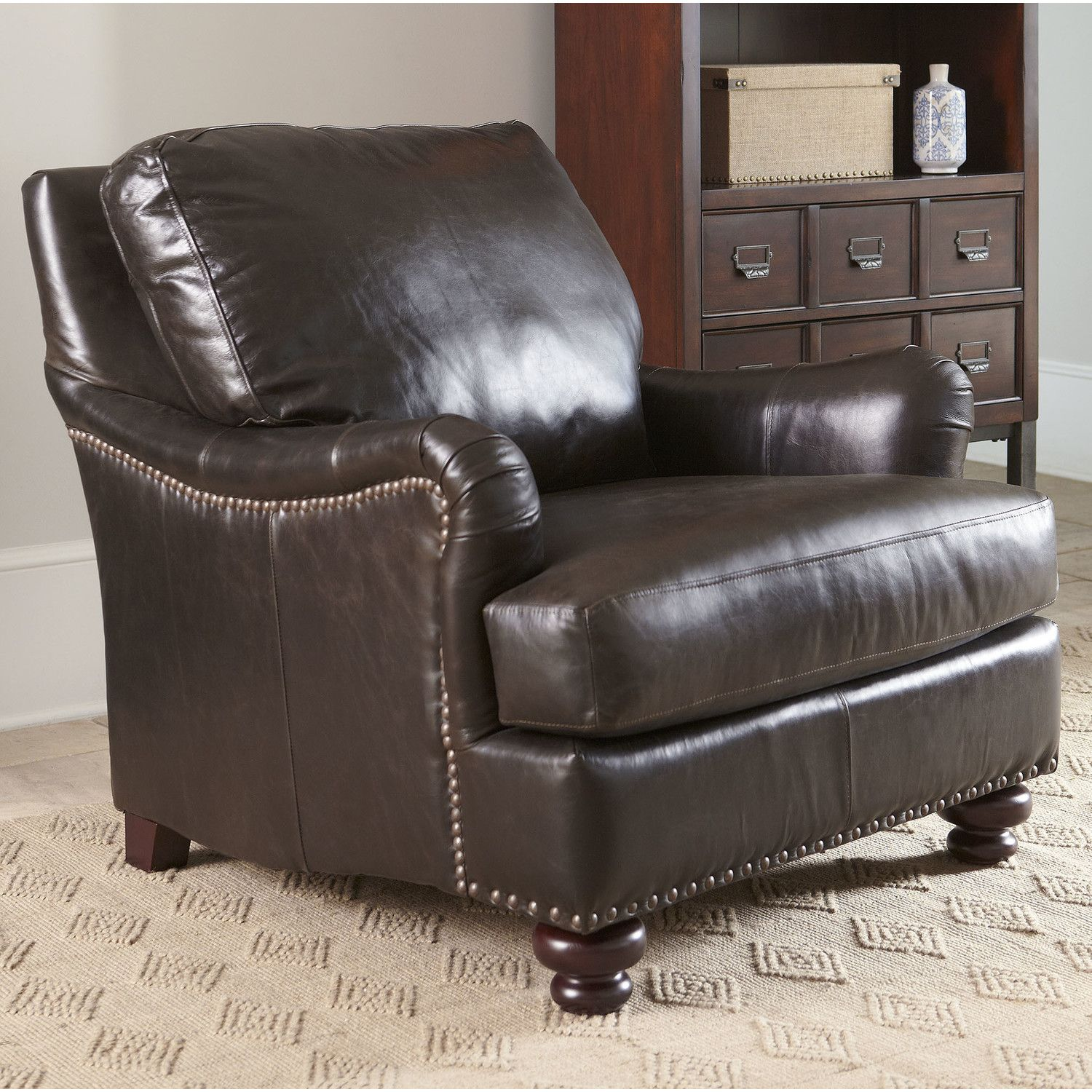 Montgomery Leather Chair Establish An Air Of Refinement