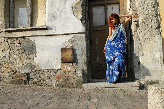 Petit Diable Noir: Vodim te na more, Maxi floral dress