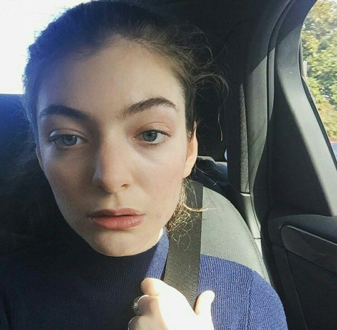 Is a cute Selfie Lorde naked photo 2017