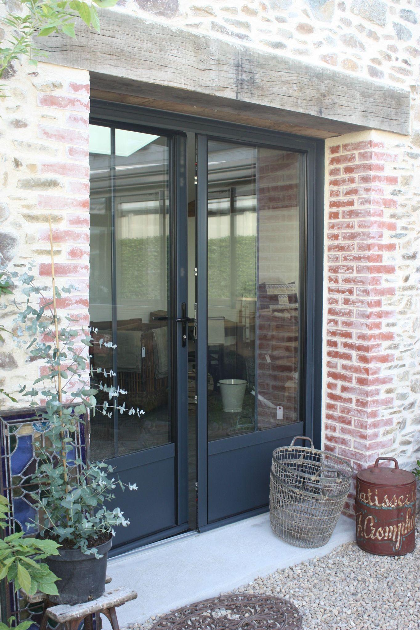 Porte fen tre noire by le grenier de ninon http for Ouverture fenetre