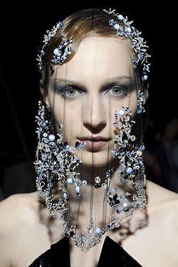 mirnah:      Giorgio Armani Prive Haute Couture FW 2012