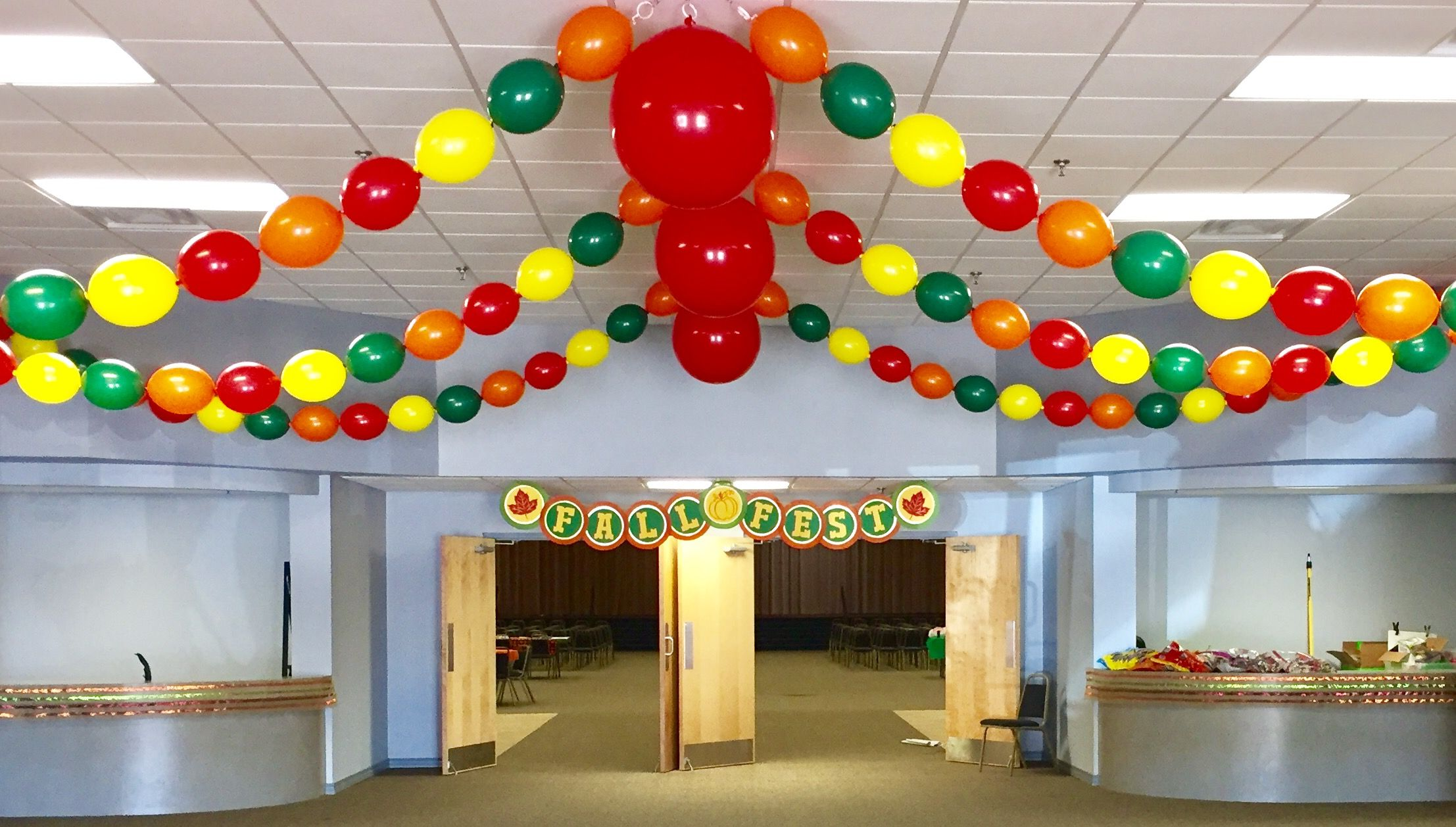 Fall / Harvest Festival Balloon Ceiling Decor - A bright ...