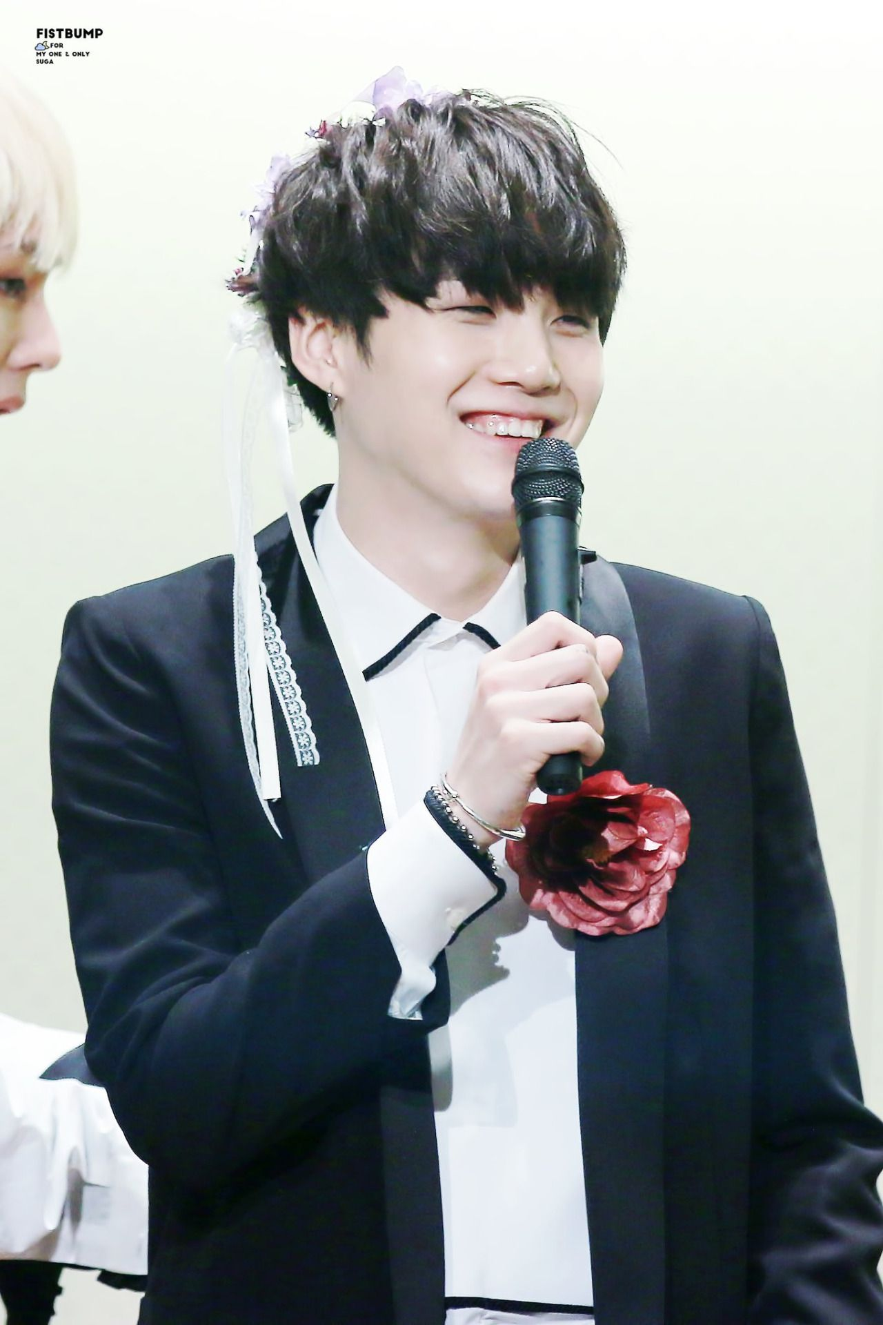 Suga ❤ BTS at the Myeongdong Fansign #BTS #방탄소년단