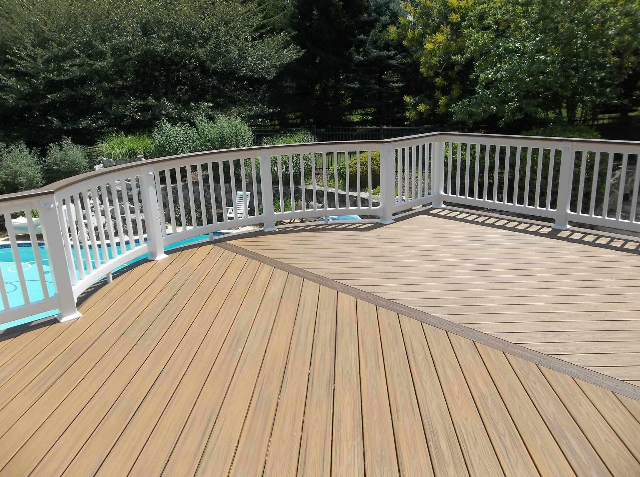 Want A Good Clean Appearance On Your Deck Hidden Fasteners Are The Way To Go Not Only Does It Make The Deck Look Sl Outdoor Living Deck Building A Deck Deck