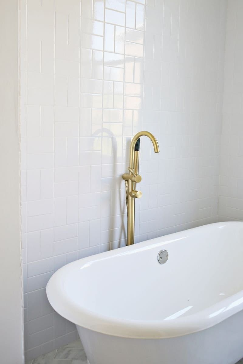 10 Interesting Things You Can Do With Plain White Tile | White tiles ...