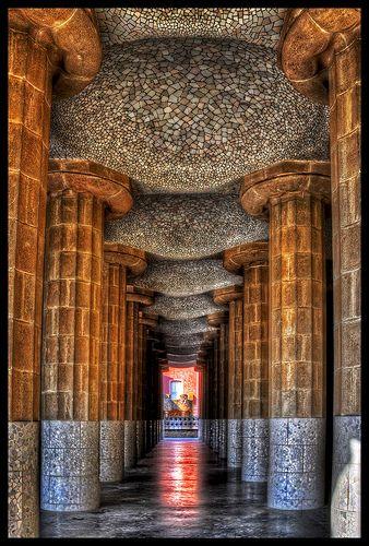 La Sala Hippostila en el Parque Güell, Barcelona, España. Architecto: Antoni Gaudí (Modernismo Catalán) HDR VIP трансфер в Барселону и Предлагаем услуги экскурсии трансфер, отдых, #travel