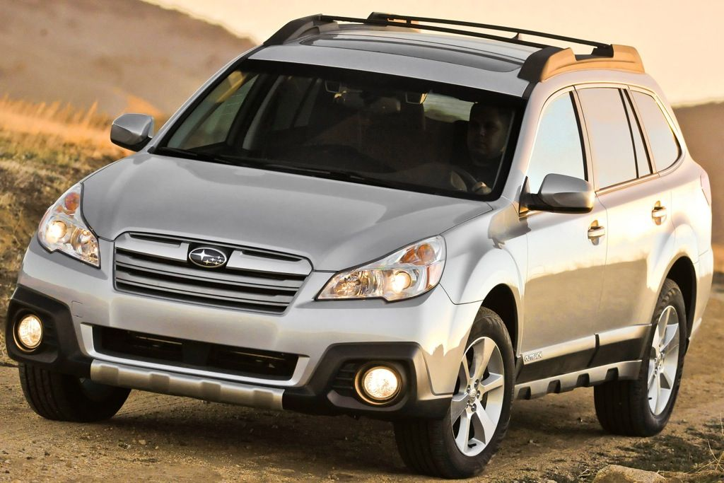 2014 Subaru Forester vs. 2014 Subaru Outback: What\'s the Difference ...