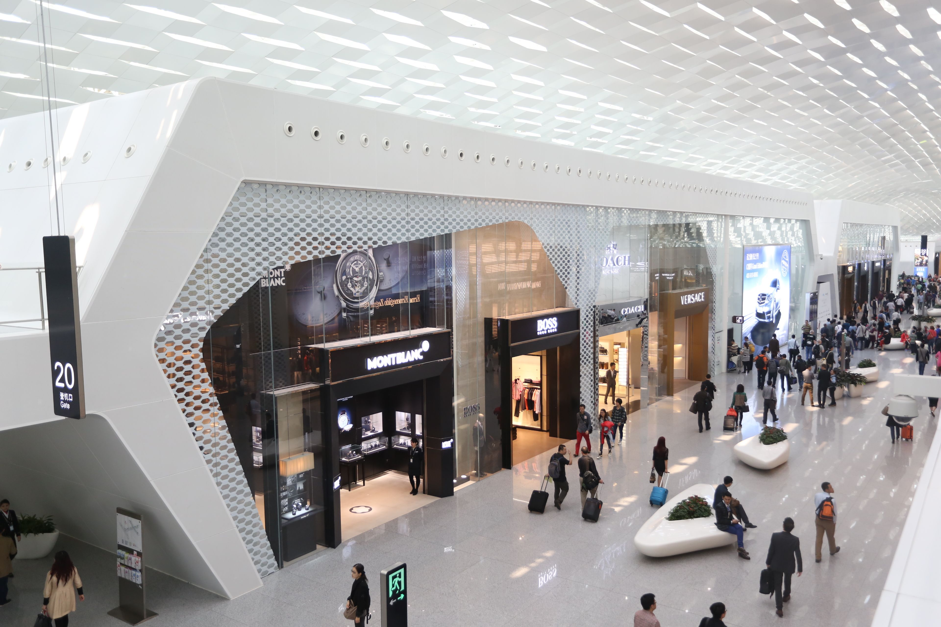 Pin by Alex Z on Commercial Space in 2019 | Shopping mall ...