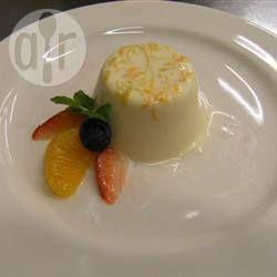 Panna cotta et sauce aux fraises fraîches @ qc.allrecipes.ca
