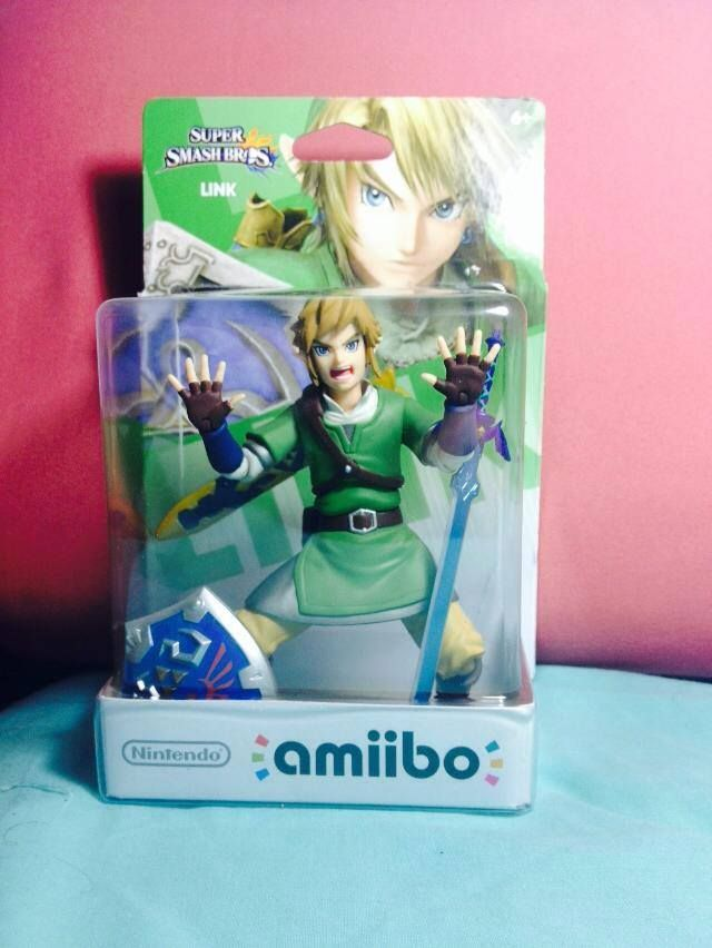 From my Facebook feed Link amiibo Claustrophobia Edition Video