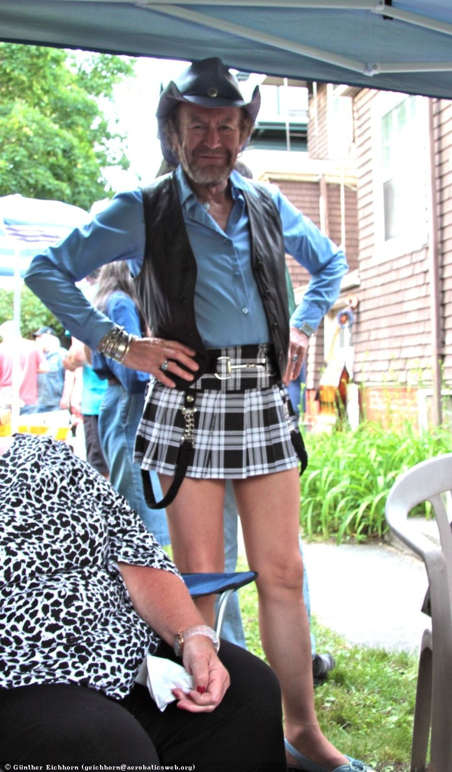 Pin By George Hodges On Funny People Men Wearing Skirts Men Wearing Dresses Boys Wearing Skirts