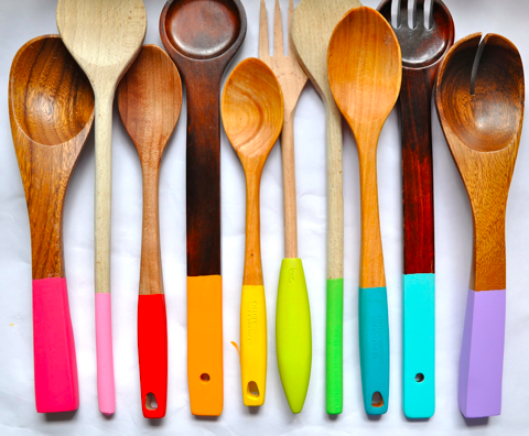 DIY Colorful Dipped Wooden Spoons.