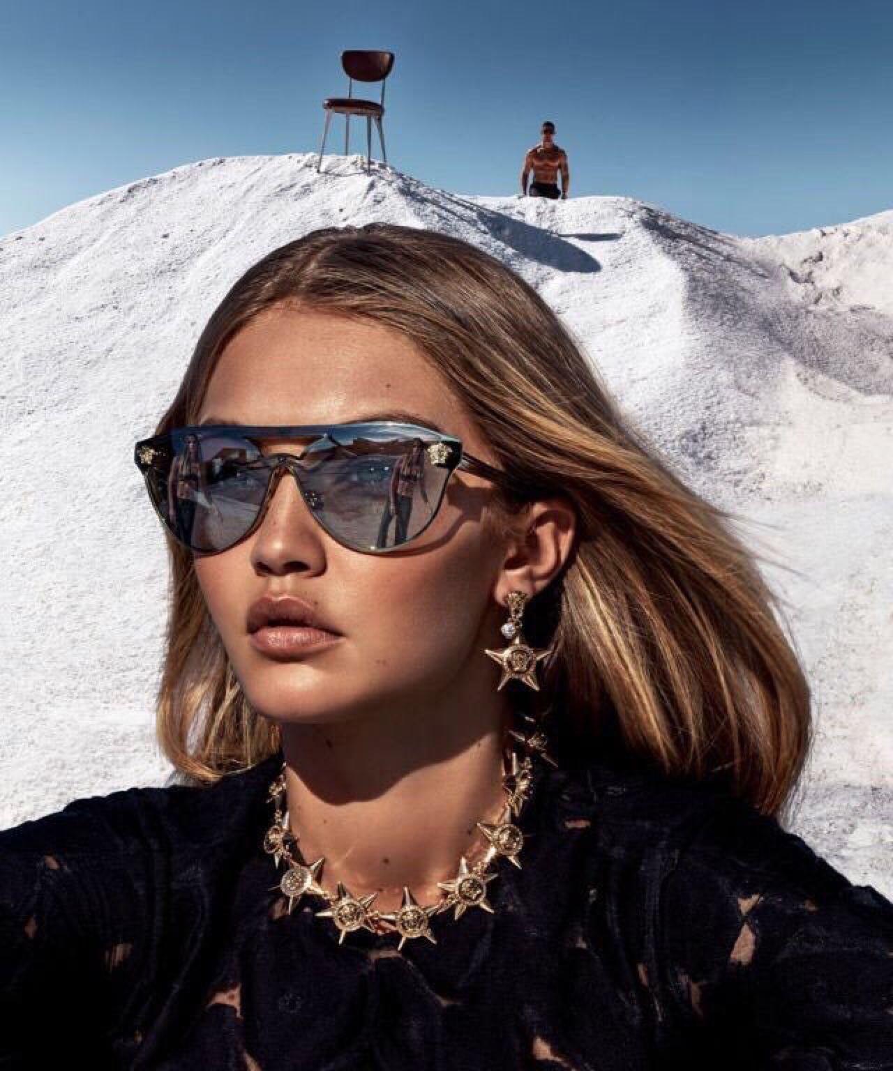 Gigi Hadid- Versace 2016. Facesunglasses. Gigi Hadid- Versace 2016.  Facesunglasses Lunettes De Soleil ... 5bde9d9ff085
